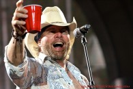 toby-keith-red cup
